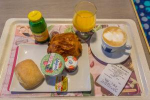 Frühstück auf der Corsica Ferries