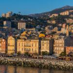 Blick von der Fähre auf Bastia